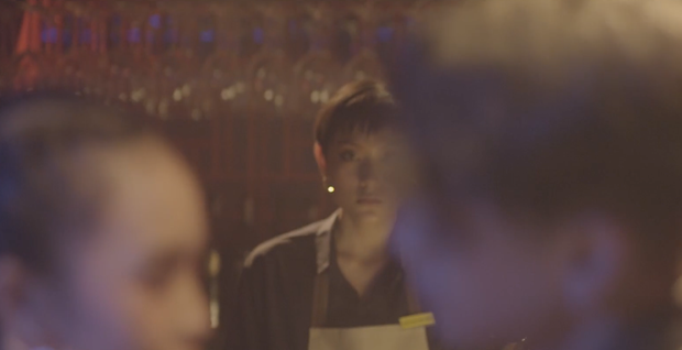 Khác hẳn hit Thanh Xuân, Da LAB bắt tay Tóc Tiên ra MV mới đầy drama kể chuyện tình tay ba giữa... 2 bố con - Ảnh 9.