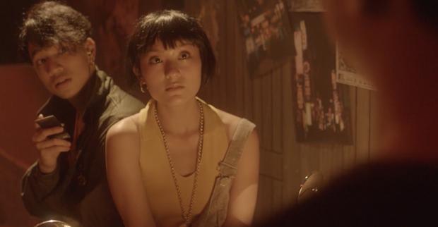Khác hẳn hit Thanh Xuân, Da LAB bắt tay Tóc Tiên ra MV mới đầy drama kể chuyện tình tay ba giữa... 2 bố con - Ảnh 10.
