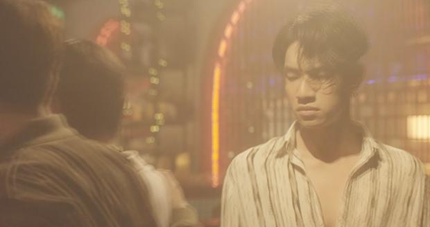 Khác hẳn hit Thanh Xuân, Da LAB bắt tay Tóc Tiên ra MV mới đầy drama kể chuyện tình tay ba giữa... 2 bố con - Ảnh 15.