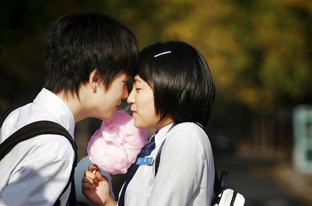 Mổ xẻ công thức của phim giáo dục giới tính Việt Nam: Siêu Quậy Có Bầu hao hao Sex Education và Tuổi Nổi Loạn? - Ảnh 7.