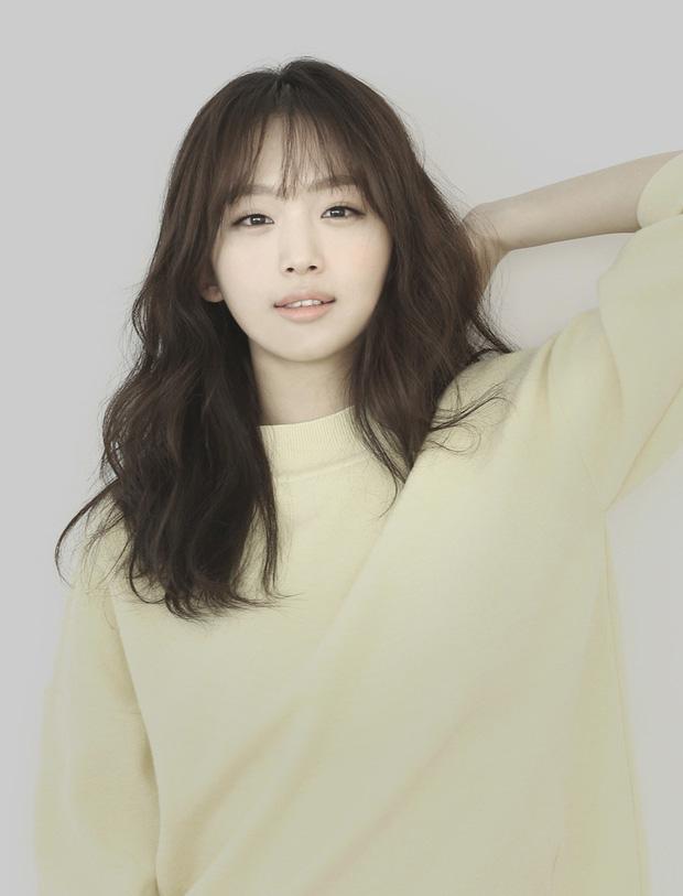 Bất ngờ với nghề nghiệp dàn minh tinh hot nhất xứ Hàn nếu không đi diễn: Mợ chảnh làm tiếp viên, cặp Song Song cùng đam mê - Ảnh 8.