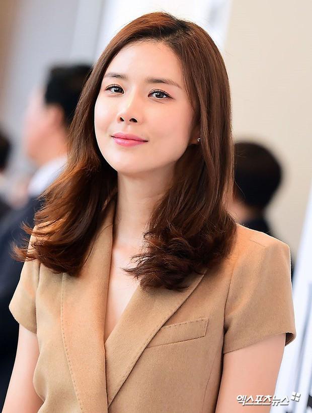 Bất ngờ với nghề nghiệp dàn minh tinh hot nhất xứ Hàn nếu không đi diễn: Mợ chảnh làm tiếp viên, cặp Song Song cùng đam mê - Ảnh 5.