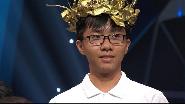 Điểm mặt 4 thí sinh chung kết Olympia 2019: Đều học trường Chuyên, người nắm giữ nhiều kỷ lục, kẻ chuyên gia lật ngược tình thế! - Ảnh 3.