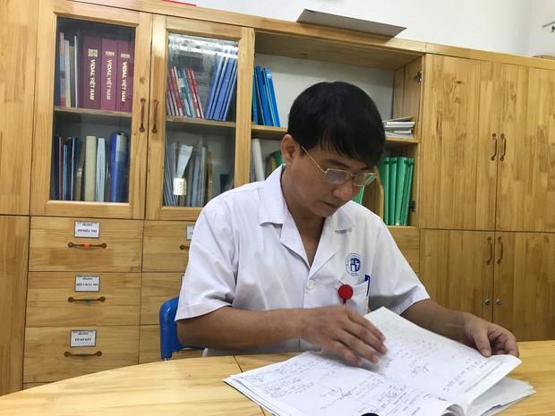 Bác sĩ Bệnh viện Xanh Pôn thông tin vụ nữ CĐV bị pháo bắn trúng: Vết thương do công phá từ sức nổ, không phải do bỏng - Ảnh 2.