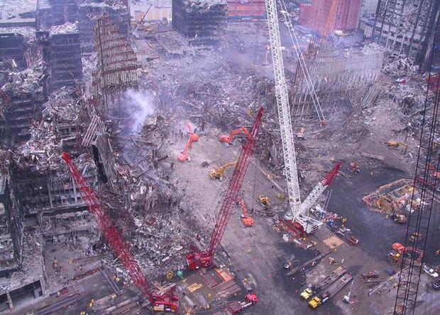 Mua đĩa giảm giá, phát hiện 2.400 bức ảnh chưa từng thấy về hiện trường vụ 11/9 - Ảnh 1.