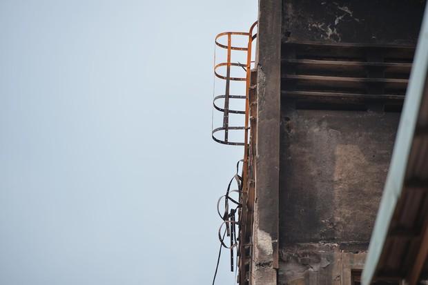 Binh chủng Hóa học tiến hành tẩy độc nhà xưởng Công ty Rạng Đông sau vụ cháy kinh hoàng - Ảnh 22.