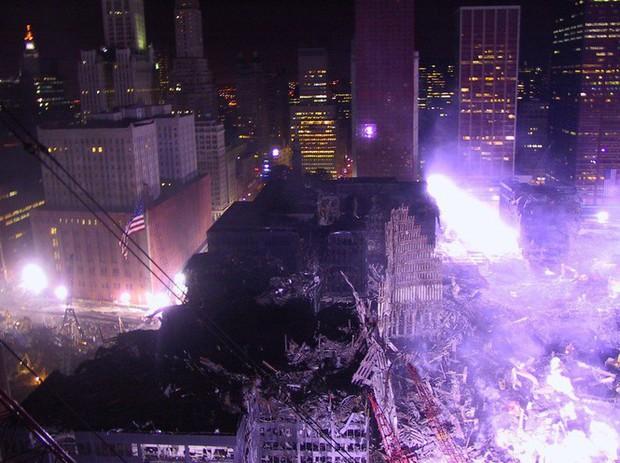 Mua đĩa giảm giá, phát hiện 2.400 bức ảnh chưa từng thấy về hiện trường vụ 11/9 - Ảnh 11.