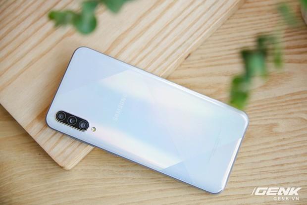 Sang chảnh hút mắt với Galaxy A50s: Thiết kế độc đáo, vân tay dưới màn hình, 3 camera mà giá chỉ 7.8 triệu - Ảnh 13.