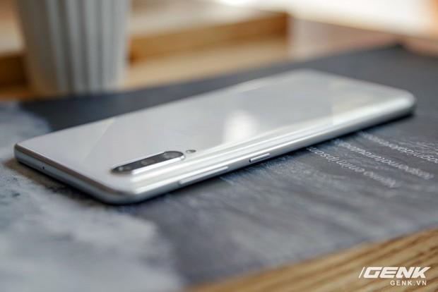 Sang chảnh hút mắt với Galaxy A50s: Thiết kế độc đáo, vân tay dưới màn hình, 3 camera mà giá chỉ 7.8 triệu - Ảnh 16.