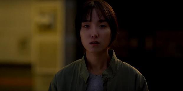 4 lý do phải ra rạp xem Lạc Hồn: Theo chân chị ma lưu lạc vạch trần góc khuất của xã hội Hàn Quốc - Ảnh 6.