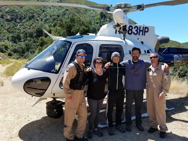 Gia đình 3 người bị cô lập trên đỉnh thác nước nhưng sớm được giải cứu nhờ một chi tiết như lấy ra từ trong phim - Ảnh 4.