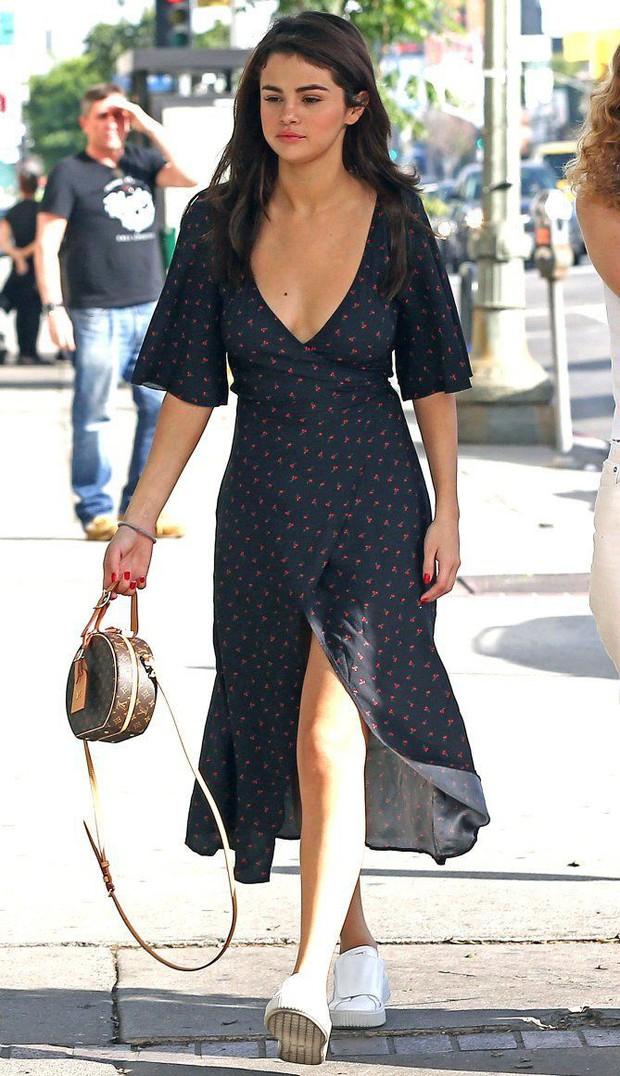 Selena Gomez có một công thức diện váy thu cực xinh tươi, bay bổng mà nàng nào diện cũng sẽ lên đời phong cách - Ảnh 4.