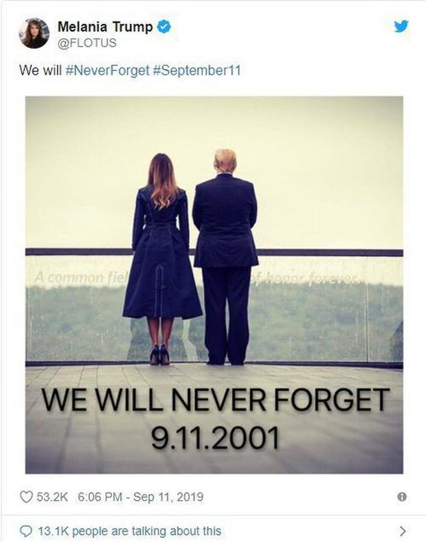 Đệ nhất phu nhân Mỹ bị chỉ trích vì chi tiết giời ơi đất hỡi trên váy khiến một số người liên tưởng đến thảm kịch 11/9 - Ảnh 5.
