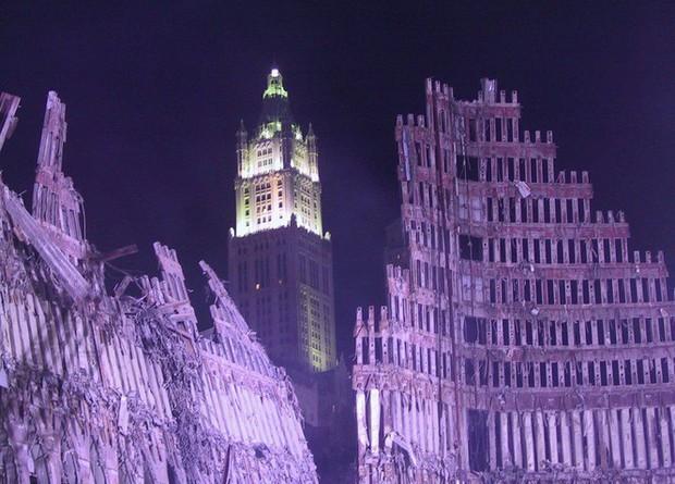 Mua đĩa giảm giá, phát hiện 2.400 bức ảnh chưa từng thấy về hiện trường vụ 11/9 - Ảnh 6.
