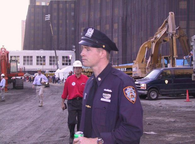 Mua đĩa giảm giá, phát hiện 2.400 bức ảnh chưa từng thấy về hiện trường vụ 11/9 - Ảnh 7.