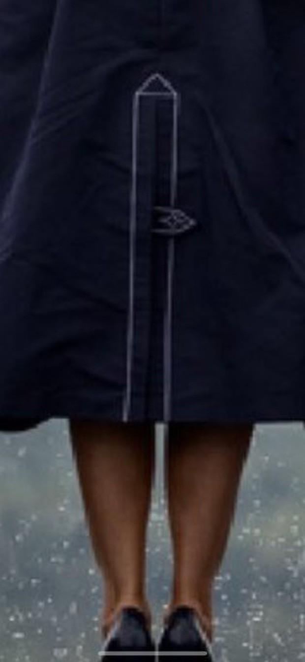 Đệ nhất phu nhân Mỹ bị chỉ trích vì chi tiết giời ơi đất hỡi trên váy khiến một số người liên tưởng đến thảm kịch 11/9 - Ảnh 7.
