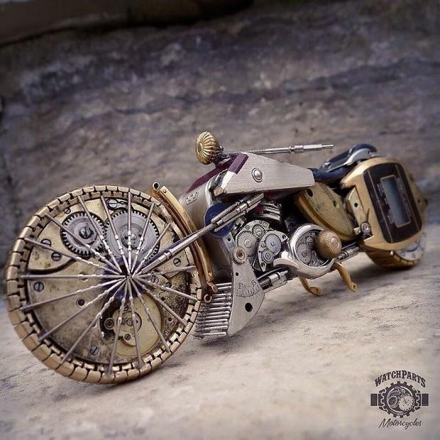 Không nỡ vứt mảnh đồng hồ cũ, chàng trai bèn độ nó thành loạt tác phẩm nghệ thuật đẹp mê hồn - Ảnh 8.