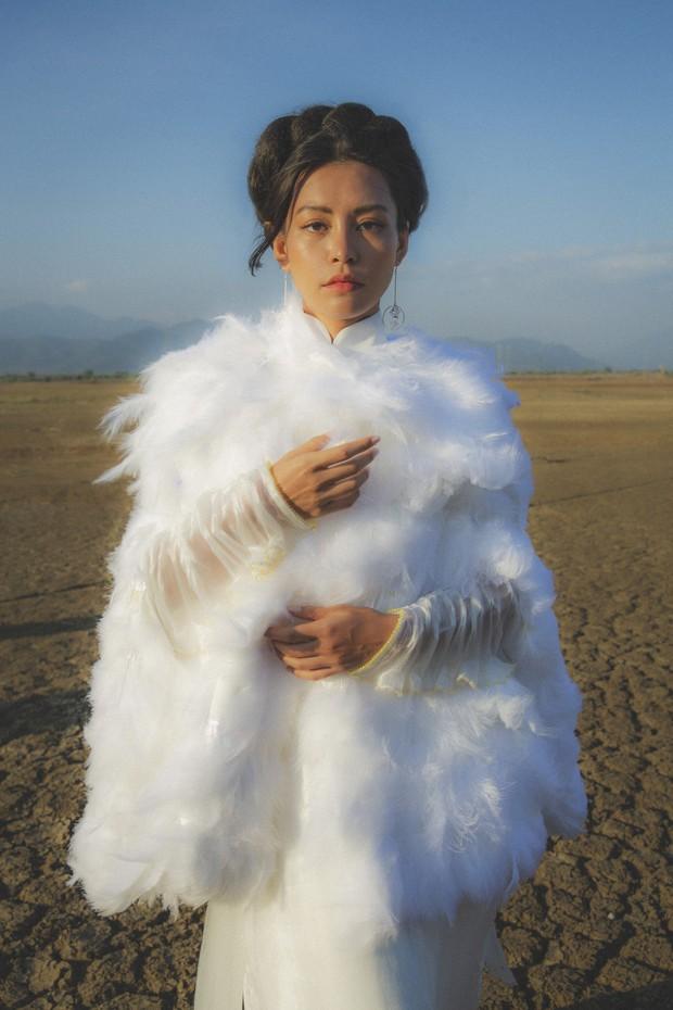 Tái xuất với MV đẹp nghẹt thở, Bùi Lan Hương hóa thân thành nàng Mị Châu trong thiên tình sử đẫm nước mắt - Ảnh 2.