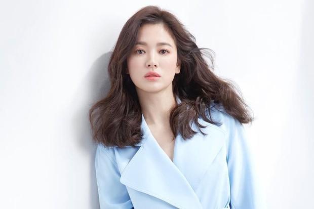 11 diễn viên Hàn suýt vô danh nếu làm theo nghề họ muốn: Song Joong Ki mơ làm tay đua, Song Hye Kyo thích trượt băng nghệ thuật! - Ảnh 12.