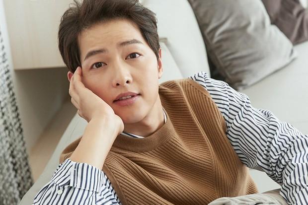 11 diễn viên Hàn suýt vô danh nếu làm theo nghề họ muốn: Song Joong Ki mơ làm tay đua, Song Hye Kyo thích trượt băng nghệ thuật! - Ảnh 1.