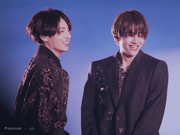 Knet choáng trước nhan sắc thật ngoài đời của 2 cậu em út Taekook (BTS), xếp cạnh nhau còn thần thánh hơn - Ảnh 12.