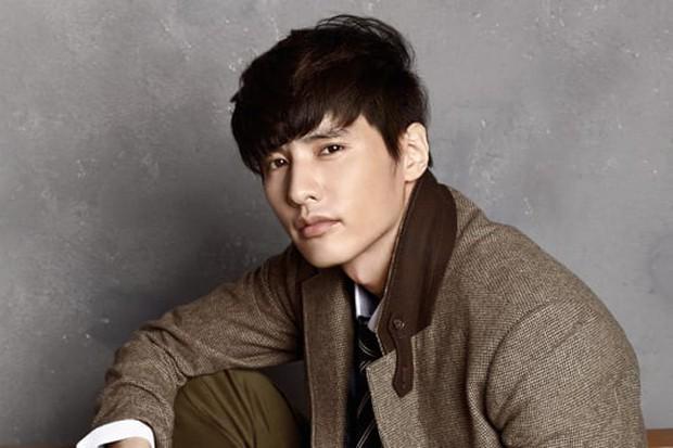 11 diễn viên Hàn suýt vô danh nếu làm theo nghề họ muốn: Song Joong Ki mơ làm tay đua, Song Hye Kyo thích trượt băng nghệ thuật! - Ảnh 9.