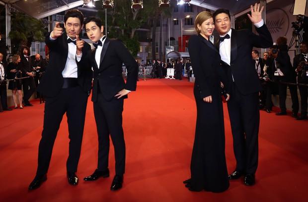 Dàn sao phim ngụ ý ăn thịt người Strangers From Hell: Lee Dong Wook và nam thần Kpop dính phốt, 2 nữ phụ xinh bất ngờ - Ảnh 19.