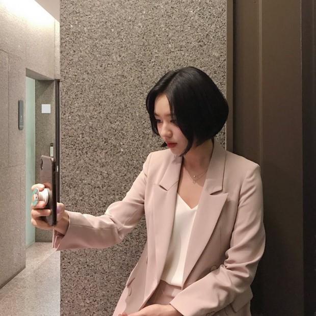 Dàn sao phim ngụ ý ăn thịt người Strangers From Hell: Lee Dong Wook và nam thần Kpop dính phốt, 2 nữ phụ xinh bất ngờ - Ảnh 27.