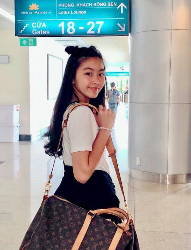 Toàn diện dresscode nhưng nhà MC Quyền Linh vẫn không giấu nổi công chúa Lọ Lem xinh như hoa hậu, chân dài miên man - Ảnh 7.