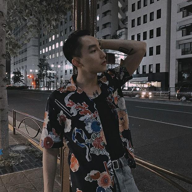 Sơn Tùng M-TP đăng ảnh đi chơi trung thu ở Nhật, nhưng buồn cười nhất vẫn là cú pose lúc đi hết mình của Sếp ở story - Ảnh 3.
