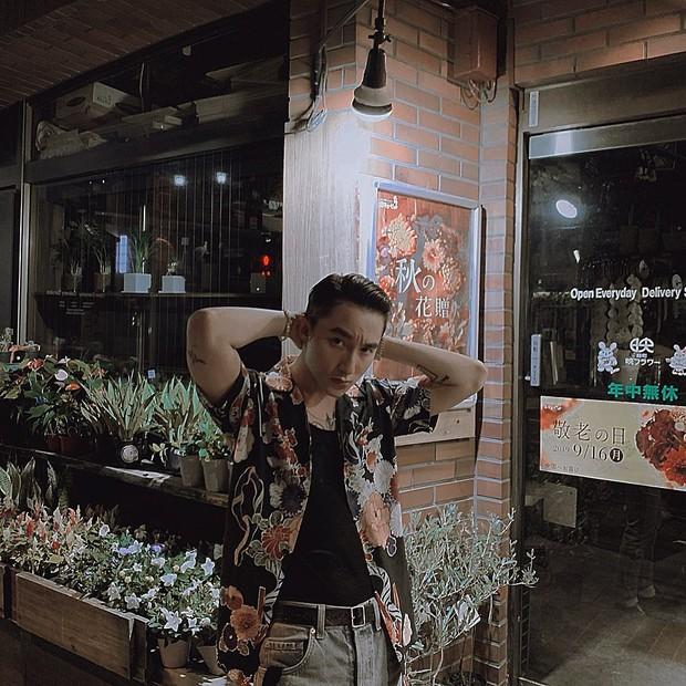 Sơn Tùng M-TP đăng ảnh đi chơi trung thu ở Nhật, nhưng buồn cười nhất vẫn là cú pose lúc đi hết mình của Sếp ở story - Ảnh 4.