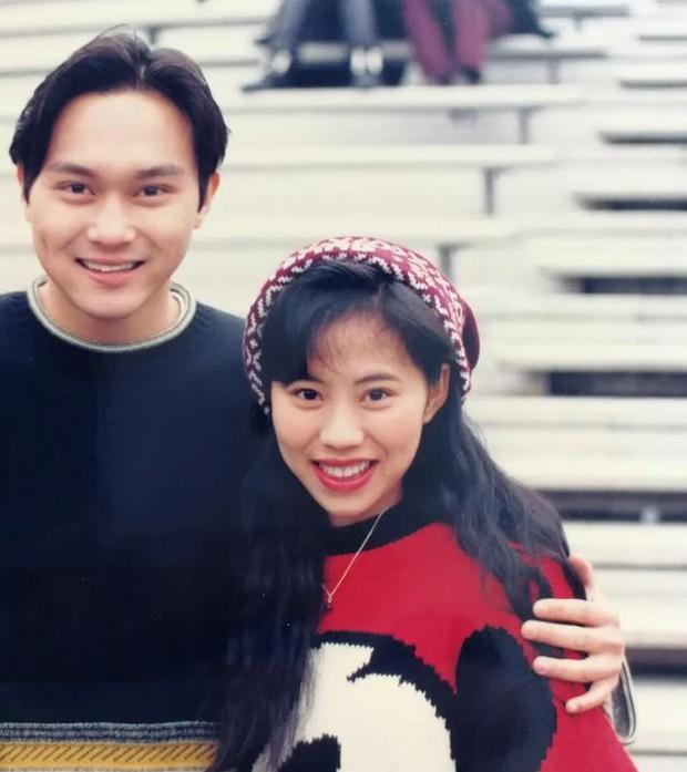 Tìm ra fan cuồng số 1 Hong Kong: Chụp ảnh với nửa showbiz, khiến hàng nghìn người ghen tị vì được Trương Quốc Vinh thân mật - Ảnh 3.