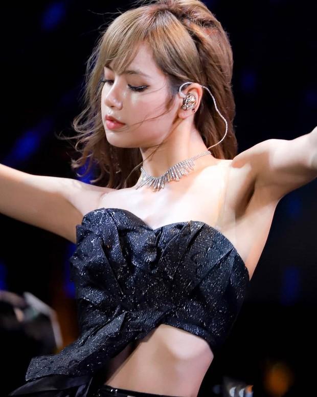 Crop top một gang tay có gì hot khiến Black Pink, Red Velvet, Mamamoo, Itzy diện rần rần? - Ảnh 4.