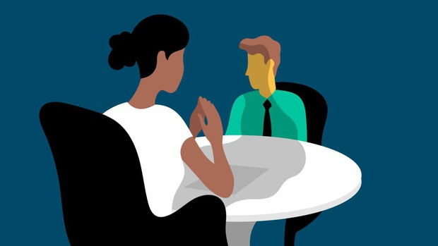 Những thứ nên và không nên mang theo khi đi phỏng vấn: Bỏ tai nghe ở nhà và nhớ cầm theo... lọ xịt nách! - Ảnh 2.