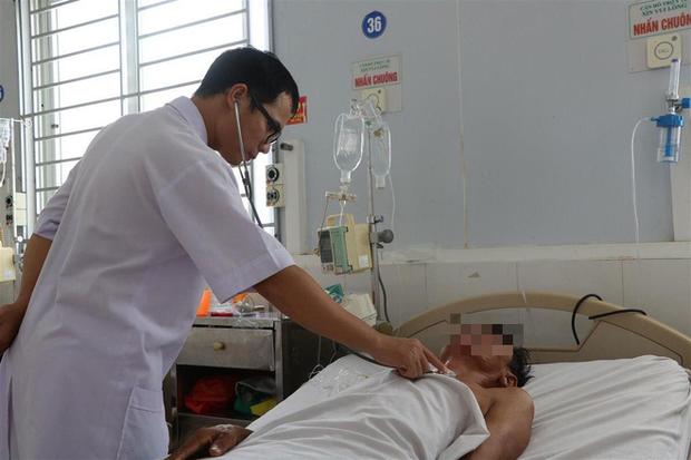 Người đàn ông ở Hà Tĩnh bị vi khuẩn ăn thịt người tấn công ngón chân - Ảnh 1.