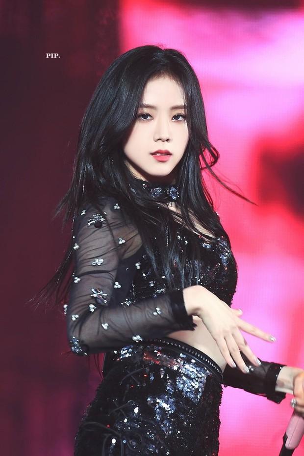 Idol Hàn khi makeup theo style ma cà rồng: ai cũng hút hồn nhưng đỉnh nhất vẫn là bộ 3 visual Tzuyu - Jisoo - Irene - Ảnh 7.