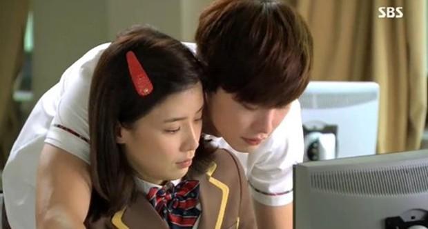 6 chàng phi công điển trai trên phim Hàn: Quản lý Goo (Hotel Del Luna) vẫn chưa cưng bằng trai trẻ của Chị Đẹp? - Ảnh 17.
