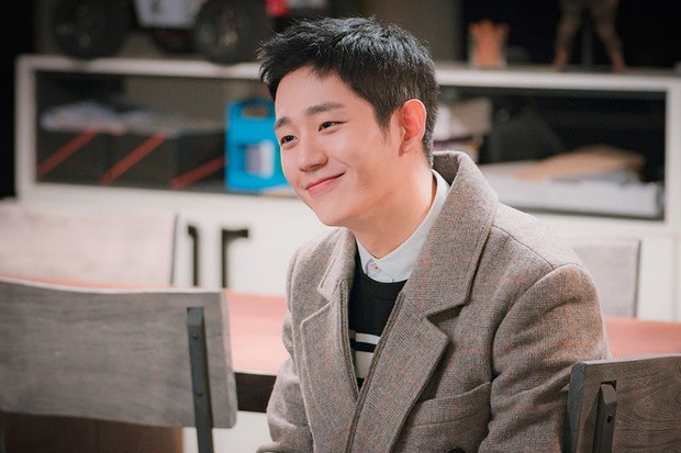 6 chàng phi công điển trai trên phim Hàn: Quản lý Goo (Hotel Del Luna) vẫn chưa cưng bằng trai trẻ của Chị Đẹp? - Ảnh 5.