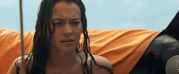 Review Hòn Đảo Bí Ẩn: Đấu Trường Sinh Tử phiên bản ngoài khơi, phim coi nhanh đến mức nín thở hồi hộp! - Ảnh 4.
