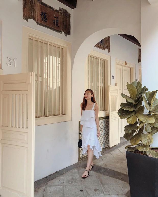 Cũng giống nhiều cô nàng, Đàm Thu Trang thích một dáng váy là sắm liền 2 chiếc nhìn chẳng khác nhau là mấy - Ảnh 6.