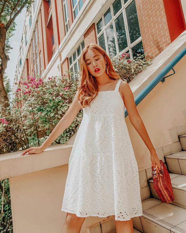Cũng giống nhiều cô nàng, Đàm Thu Trang thích một dáng váy là sắm liền 2 chiếc nhìn chẳng khác nhau là mấy - Ảnh 7.