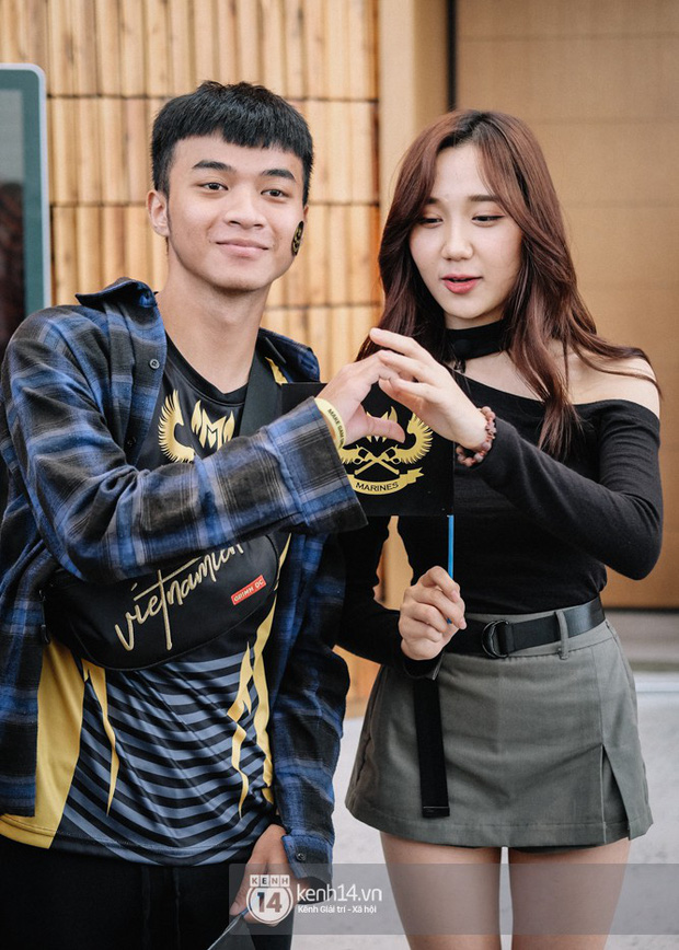 Ngắm trọn bộ nhan sắc xinh đẹp, dễ thương của cô giáo Mina Young trong ngày chung kết VCS mùa Hè - Ảnh 10.