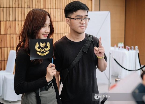 Ngắm trọn bộ nhan sắc xinh đẹp, dễ thương của cô giáo Mina Young trong ngày chung kết VCS mùa Hè - Ảnh 9.