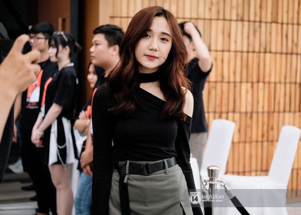 Ngắm trọn bộ nhan sắc xinh đẹp, dễ thương của cô giáo Mina Young trong ngày chung kết VCS mùa Hè - Ảnh 4.