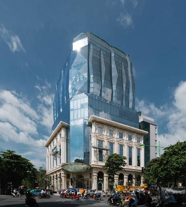 """Lộ diện tòa nhà kim cương """"siêu to khổng lồ"""" đang gây sốt giới trẻ Hà Nội: Lên ảnh lung linh nhưng bên ngoài thì thế nào? - Ảnh 4."""