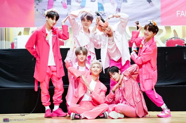 BTS chứng tỏ đẳng cấp dẫn đầu khi album đầu tay bất ngờ xuất hiện trong BXH doanh số - Ảnh 3.