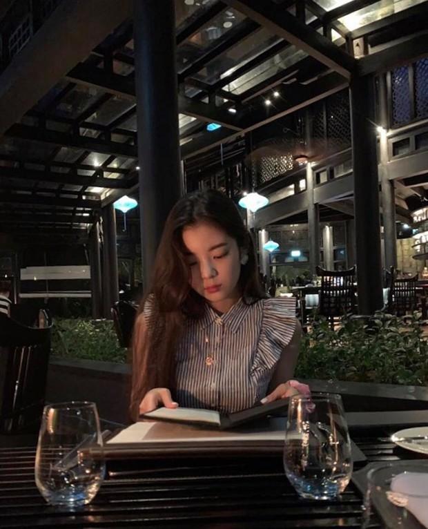 Mỹ nhân girlgroup ITZY siêu hot nhà JYP bất ngờ khoe ảnh nghỉ Trung thu tại Đà Nẵng: Nhan sắc, body có như trong MV? - Ảnh 2.