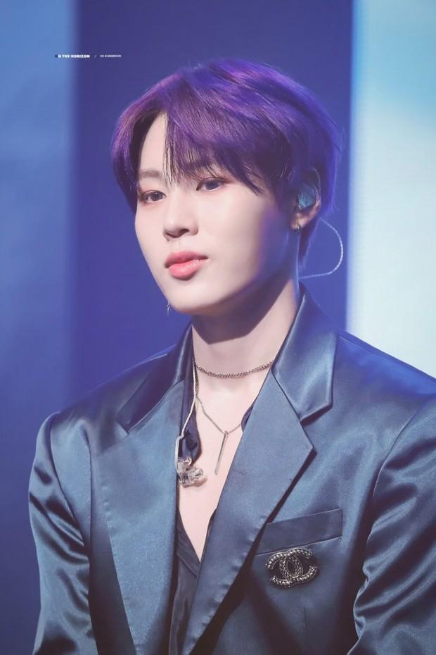30 idol nam Kpop hot nhất hiện nay: Top 3 không lạ, ông bố trẻ nhất Kbiz gây tranh cãi vì bỗng lọt giữa dàn nam thần - Ảnh 8.
