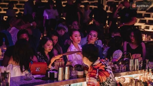 Ngắm loạt ảnh gái xinh kéo hội đi đu đưa lễ Trung thu, rich kid Tiên Nguyễn bất ngờ lọt ống kính - Ảnh 13.