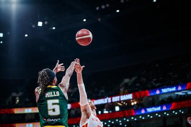 Bỏ lỡ cơ hội bằng vàng ở giây cuối cùng, Úc cay đắng nhìn Tây Ban Nha tiến vào chung kết FIBA World Cup 2019 - Ảnh 2.